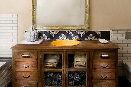 rusticbathroom